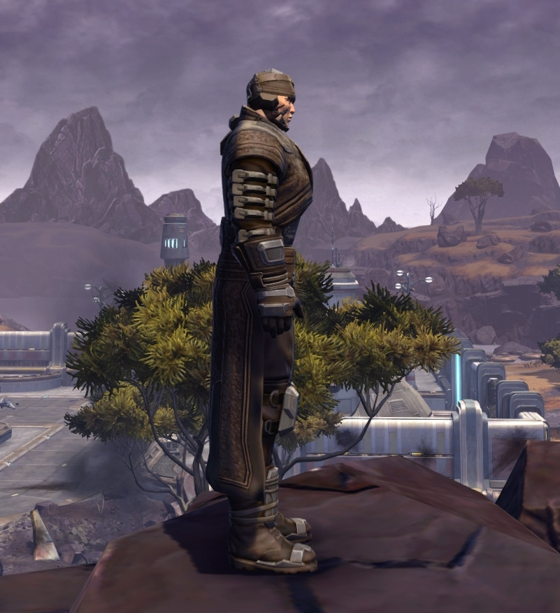 SWTOR Cybernetic Pauldron's Armor Set Review